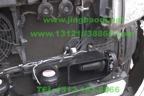 丰田霸道普拉多安装超强警报器装满中网爆闪灯